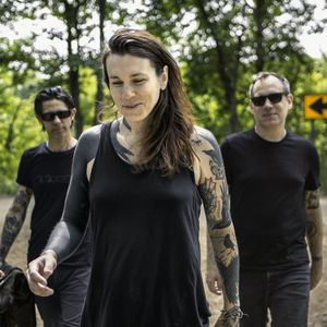 Laura Jane Grace and The Devouring Mothers