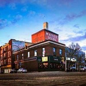 Double Decker Tavern & Restaurant