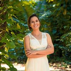 Cantora Adriana