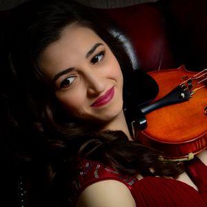 Adriana Cristea - Violinist