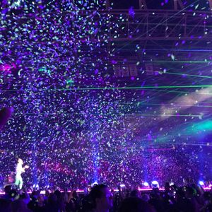 Coldplay Tour Dates 2019 & Concert Tickets | Bandsintown