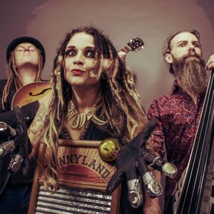 Jo Carley and The Old Dry Skulls