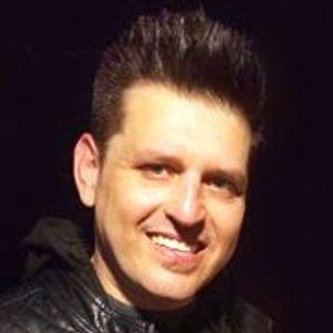 Chris DeMakes